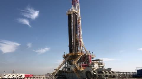 olja och gas fracking - oljepump bildbanksvideor och videomaterial från bakom kulisserna