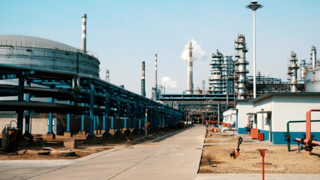 stockvideo's en b-roll-footage met olie-en gasindustrie - motor oil