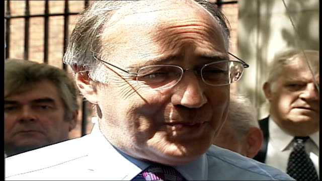 michael howard could support protests saudi terror attacks itn england london ext three boxes on screen showing michael howard and two men who... - scheune stock-videos und b-roll-filmmaterial