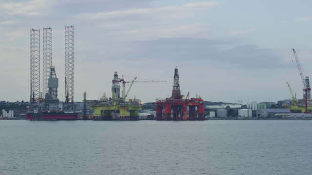 oil extraction in norway - fossil fuel stock videos & royalty-free footage