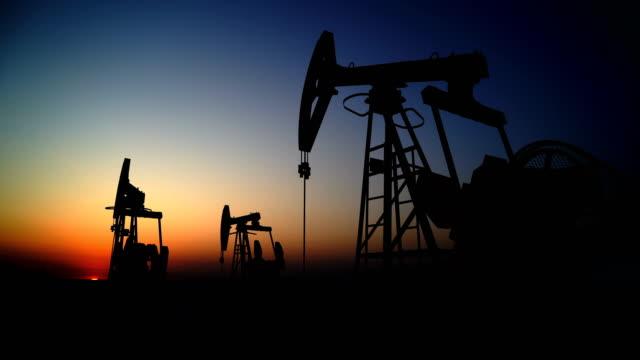 vidéos et rushes de gisement de pétrole - plateforme