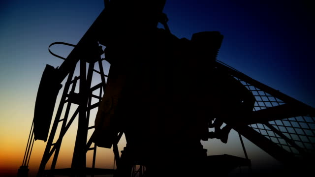 oil field - erdöl stock-videos und b-roll-filmmaterial