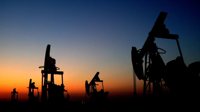 Oil Industry Pump Equipment Zoom Out