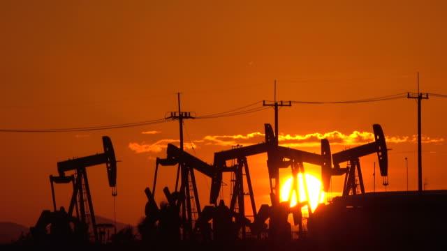 oil industry - trivella petrolifera video stock e b–roll