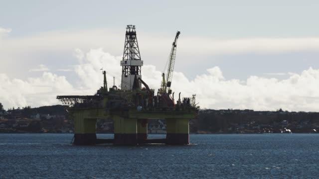 vidéos et rushes de plate-forme pétrolière en norvège - plateforme