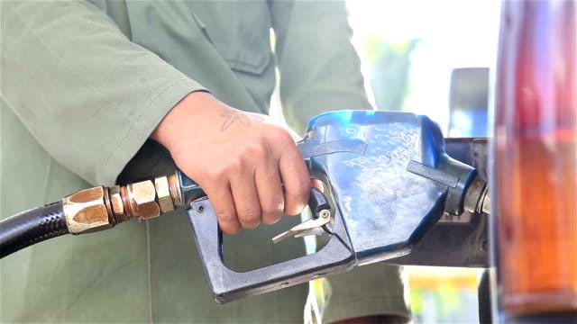 HD: Oil pump dispenser