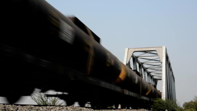 石油レール - ドラム容器点の映像素材/bロール