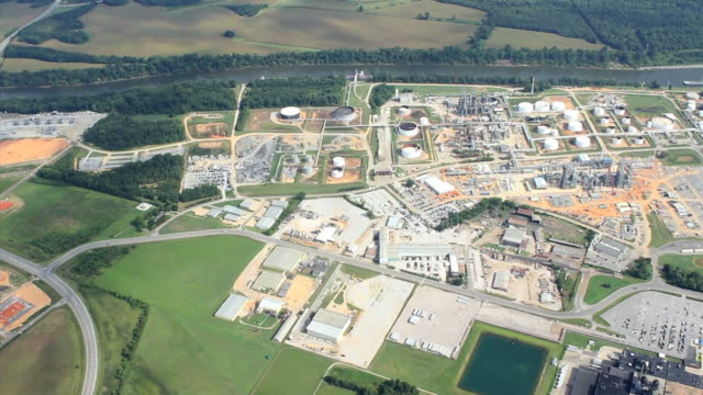 oil refinery and new construction - aircraft point of view stock videos & royalty-free footage