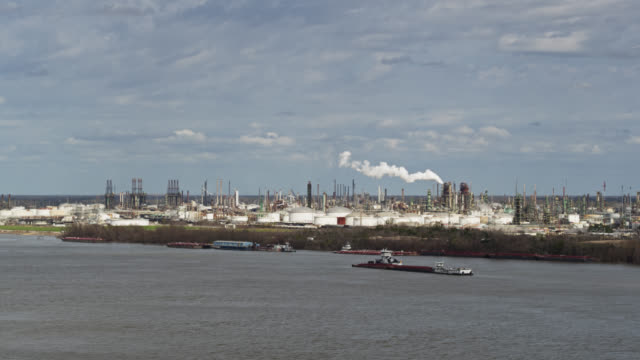 oil refinery in baton rouge - aerial - gulf coast states stock videos & royalty-free footage