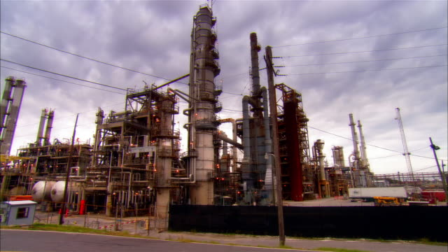 ms, oil refinery, new orleans, louisiana, usa - louisiana stock videos & royalty-free footage