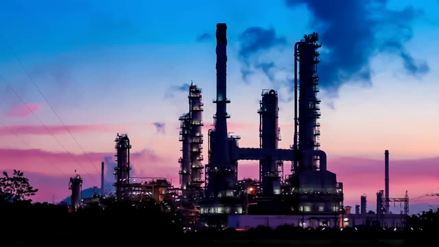 oil refinery plant at twilight morning - oil refinery stock videos & royalty-free footage