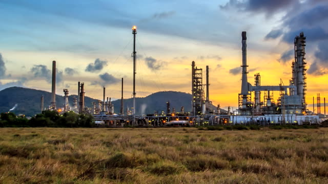 Oil refinery ; Time Lapse.