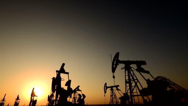 oil rig - trivella petrolifera video stock e b–roll