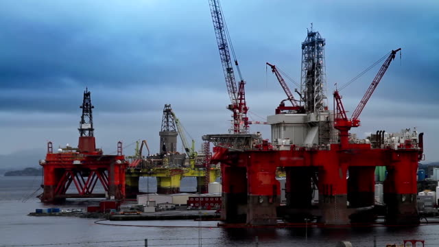 oil rigs - crude oil stock videos & royalty-free footage