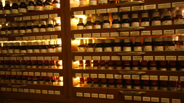 oils & spices on shelf in ucuzcular market - wiese stock videos & royalty-free footage