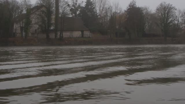 vidéos et rushes de oise river on december 5 2019 in pontoise france - bruno levesque