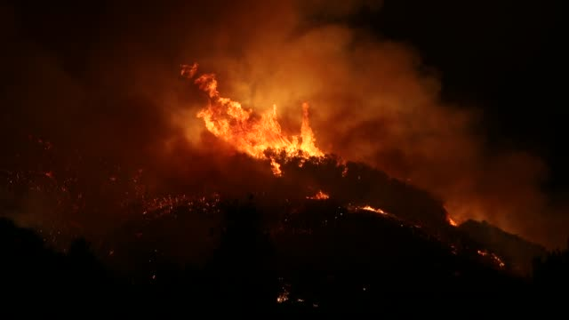 ojai, california usa: the thomas fire burns in the hills just beyond ojai california, december 7, 2017. the fire had burned over 100,000 acres by... - 2017 stock videos & royalty-free footage