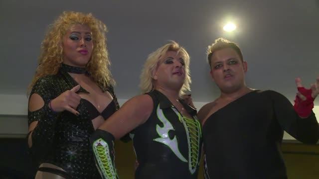 Okama Power es un grupo de luchadoras transgénero que luchan porque se las tome en serio tanto fuera como dentro del ring