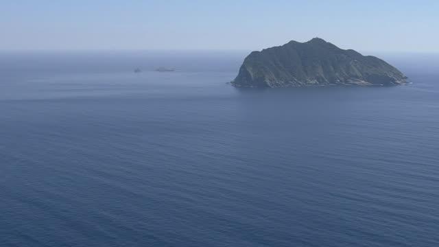 aerial, okinoshima island, fukuoka, japan - insel stock-videos und b-roll-filmmaterial
