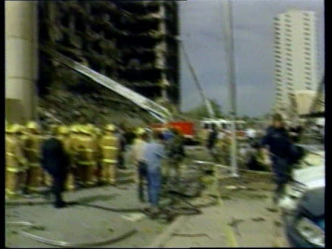 lib oklahoma city alfred p murrah federal building gv emergency services next rubble - alfred p. murrah federal building stock videos & royalty-free footage