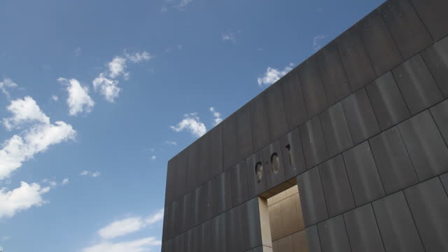 9:01 oklahoma city bombing memorial - alfred p. murrah federal building stock videos & royalty-free footage