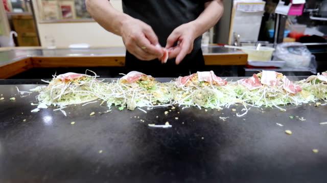 Okonomiyaki-japanische Küche