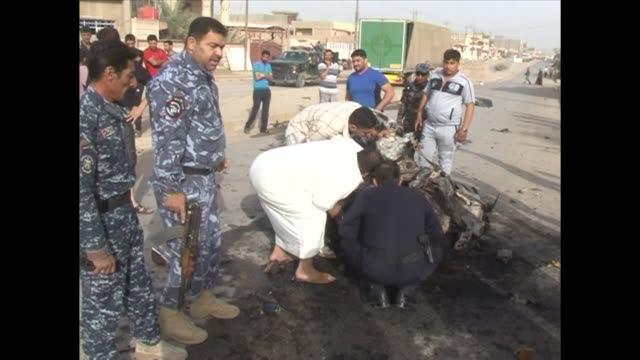 ola de atentados en irak on april 19 2012 in baghdad iraq - irak stock videos and b-roll footage