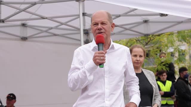 DEU: Olaf Scholz Campaigns In Potsdam