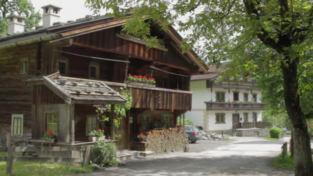 ws pan old austrian chalet / mayrhofen, zillertal, austria - chalet stock videos & royalty-free footage