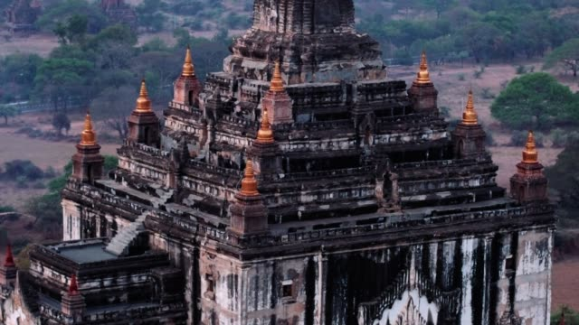 old bagan temple parallax aerial - myanmar stock videos & royalty-free footage
