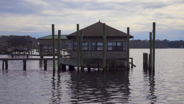vecchia boat house - cantiere navale video stock e b–roll