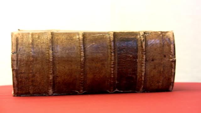 HD: Libro vecchio