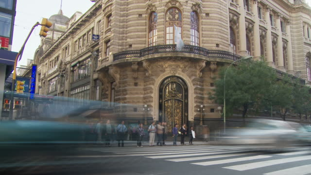 old building at cordoba ave in buenos aires, argentina - コルドバ通り点の映像素材/bロール