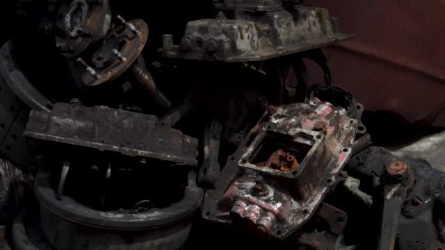 vídeos de stock, filmes e b-roll de parte velha do carro - vintage car