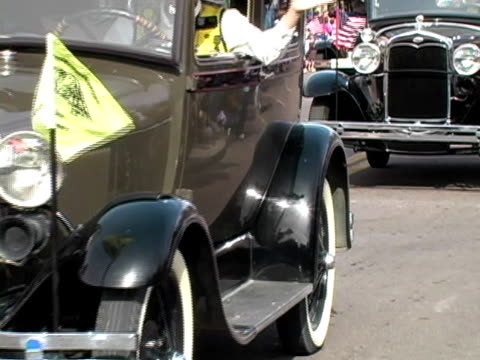 Old Cars on Parade
