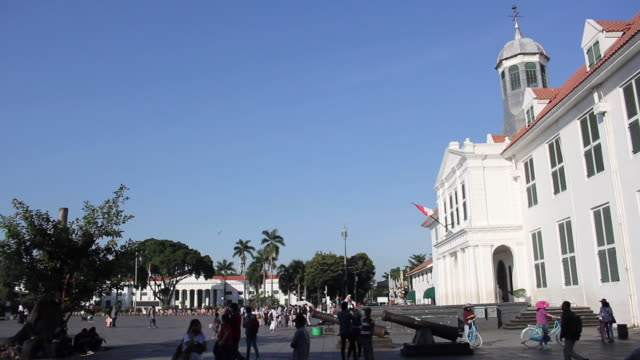 stockvideo's en b-roll-footage met old city tourism at jakarta - nationaal monument beroemde plaats