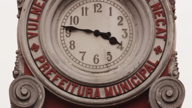 vídeos de stock e filmes b-roll de old clock - manaus downtown - amazonas state brazil