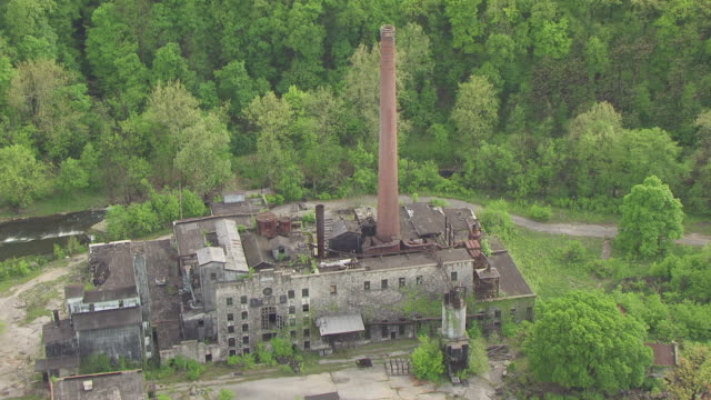 ms aerial ds old crow distilling company / kentucky, united states - distillery stock videos and b-roll footage
