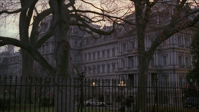 vídeos de stock e filmes b-roll de ws old executive office building / washington, dc, united states - formato letterbox