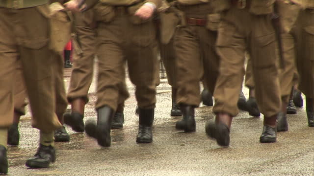 old fashioned army soldiers marching in parade world war one - world war i stock videos and b-roll footage