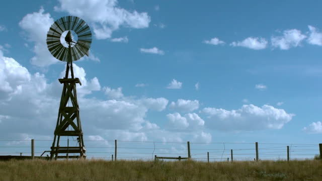 old fashioned rural windmill water tower - windmill stock videos & royalty-free footage