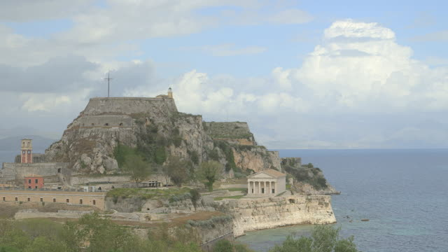 ws old fortress of corfu with cloudy sky / kerkyra, corfu, greece - fortress stock videos & royalty-free footage