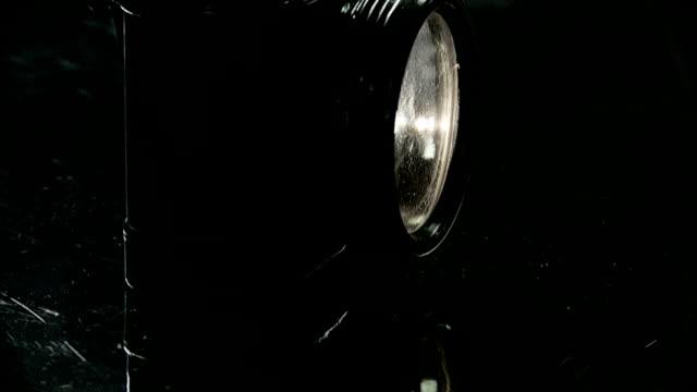 stockvideo's en b-roll-footage met old hand lamp - monochroom