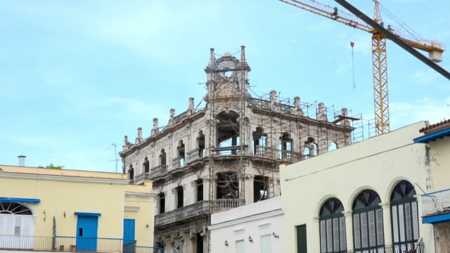 old havana, cuba: 'plaza vieja' or 'old plaza' which is a famous place in the unesco world heritage site located in the cuban capital city - plaza vieja stock videos and b-roll footage