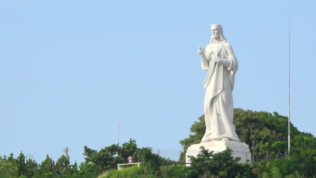 old havana, cuba: zoom in to the 'christ of havana' white carrara marble large statue. - 1959 stock videos & royalty-free footage