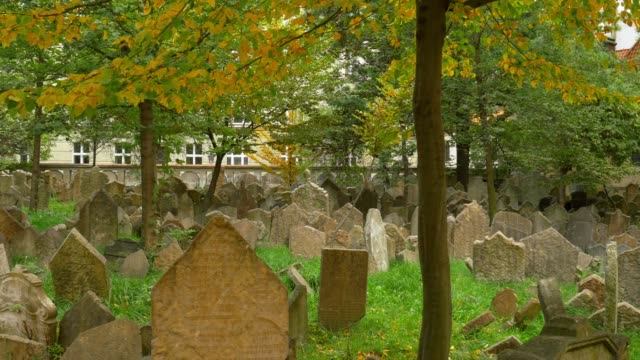 old jewish cemetery in prague - cemetery stock videos & royalty-free footage