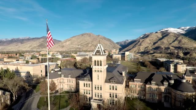 old main building on utah state university campus - città universitaria video stock e b–roll