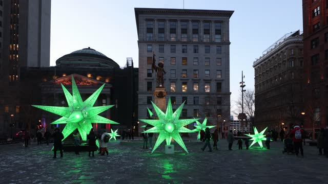 old montreal's place d'armes street scene at christmas - vieux montréal stock videos & royalty-free footage