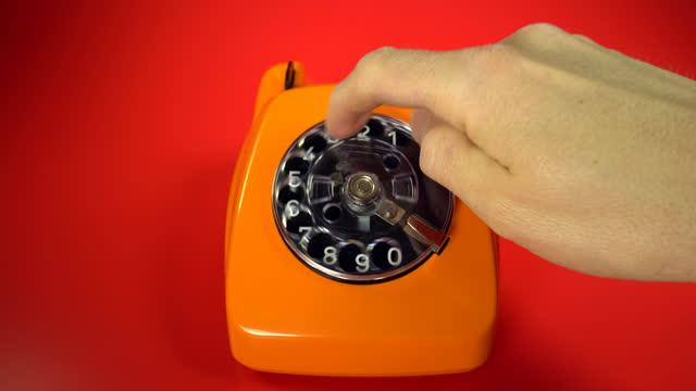 vidéos et rushes de vieille téléphonie orange - composer un numéro
