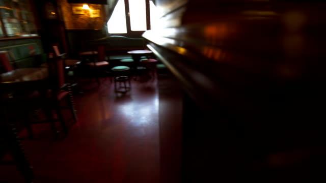 vídeos y material grabado en eventos de stock de old pub corner - pub